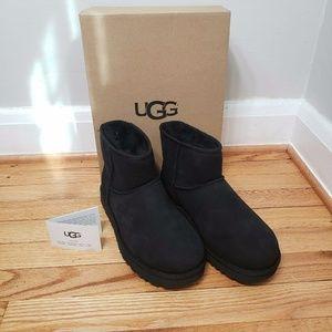 UGG CLASSIC MINI II BOOTS BLACK SIZE 8 NEW